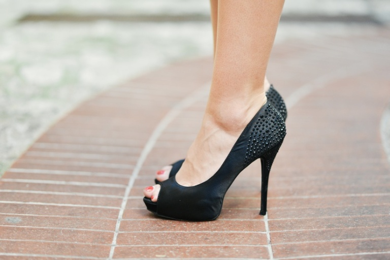 fashion-person-woman-feet-large